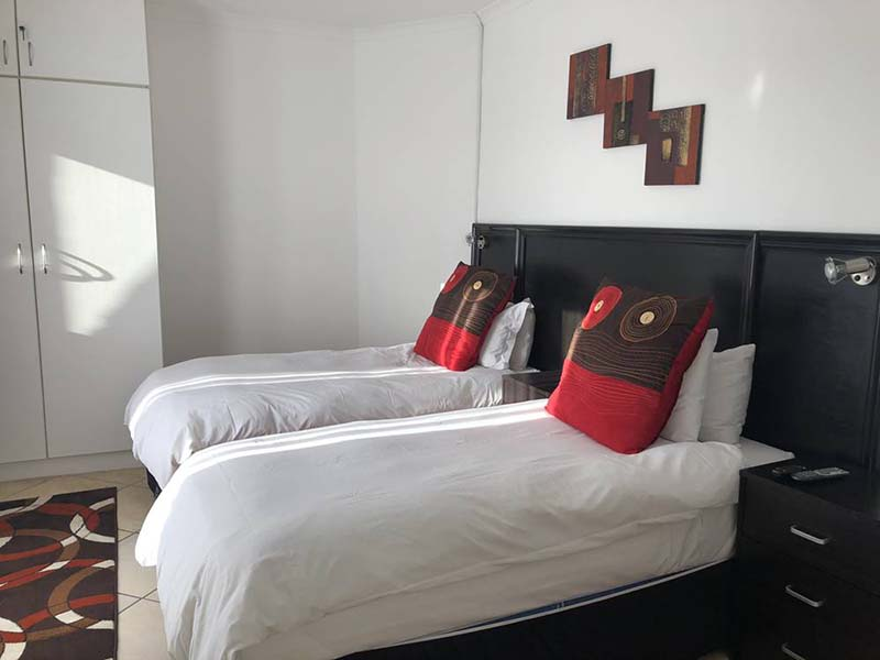 Me Casa Guest House Al Roja - Bed and Breakfast